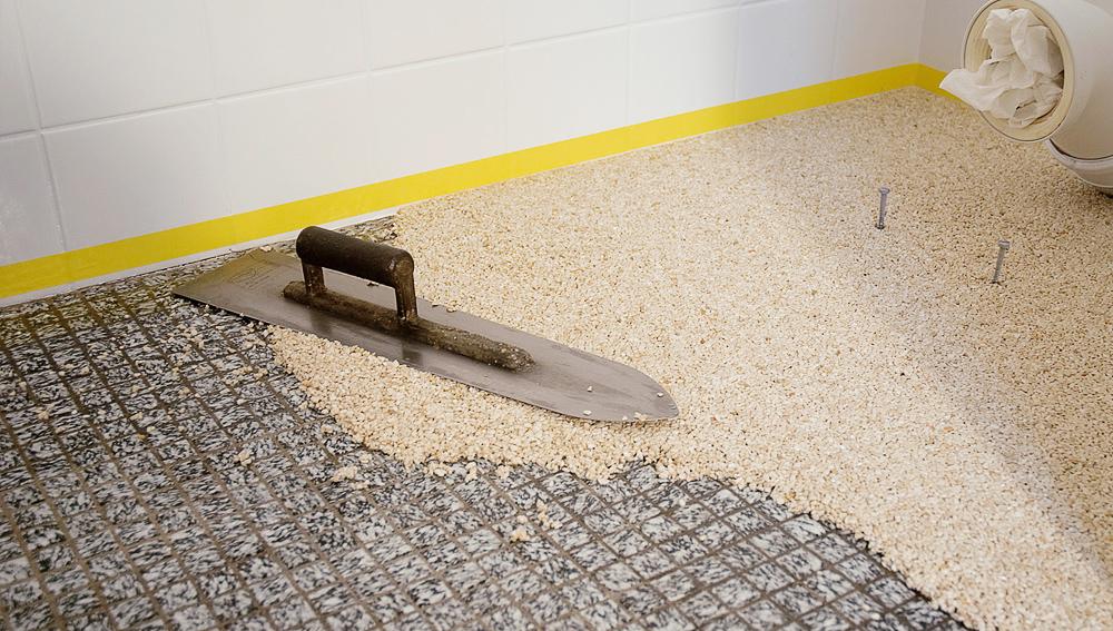 Natursteinteppich Badtechnik Italien DE - Badezimmerboden ohne fliesen